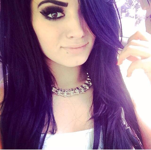 Paige – WWE   Social Naukar